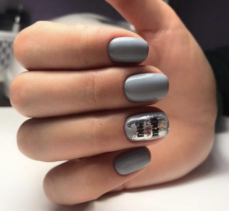 Spectacular Nail Design with Foil: Fashion Innovations in 2020