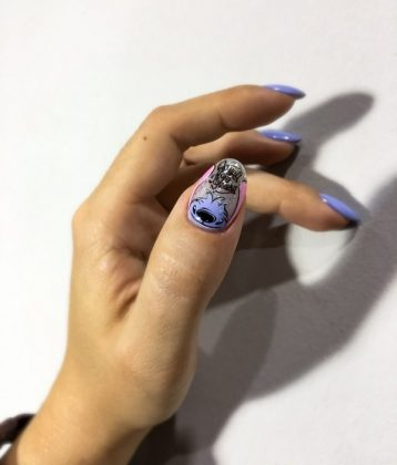 Spectacular Nail Design with Foil: Fashion Innovations in 2021