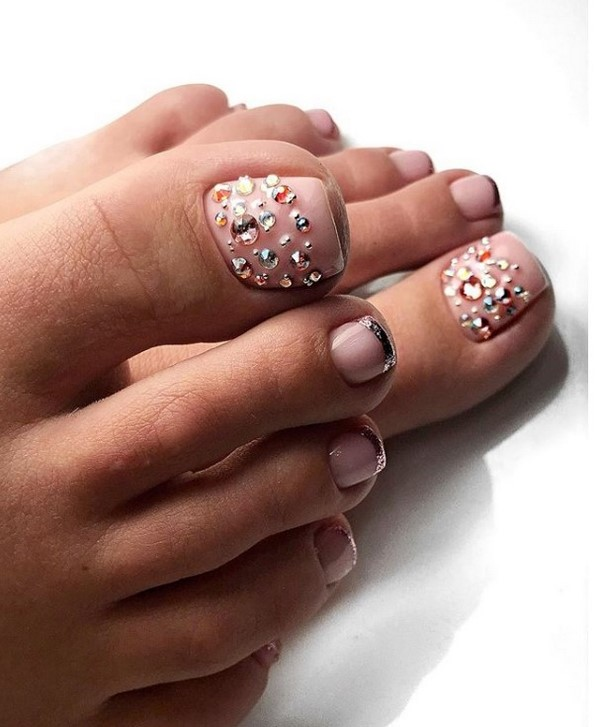 Chic Pedicure with Rhinestones 2021: Great Pedicure Novelties with Rhinestones