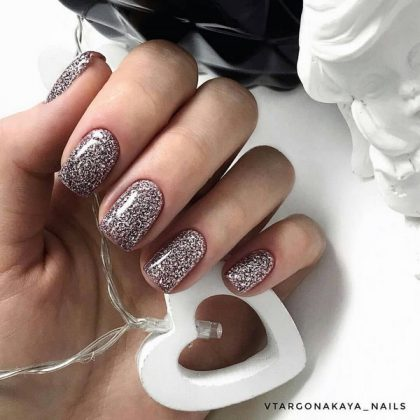 Trendy Manicure for the New Year 2020 Trends and