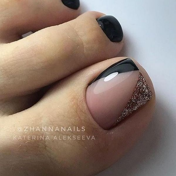 New Pedicure for Winter 2021-2022: The Best Trends and Design Ideas