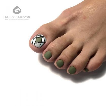 New Pedicure for Winter 2020-2021: The Best Trends and Design Ideas