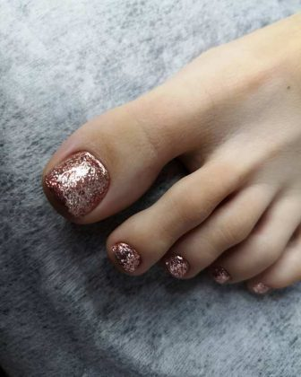 Adorable Pedicure Design for The New Year 2020 - The Best Examples&New Items of New Year's Nail Design