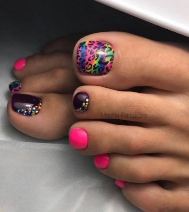 Creative Novelties of Pedicure Spring-Summer 2020 - Trends and Tendencies in the Photo